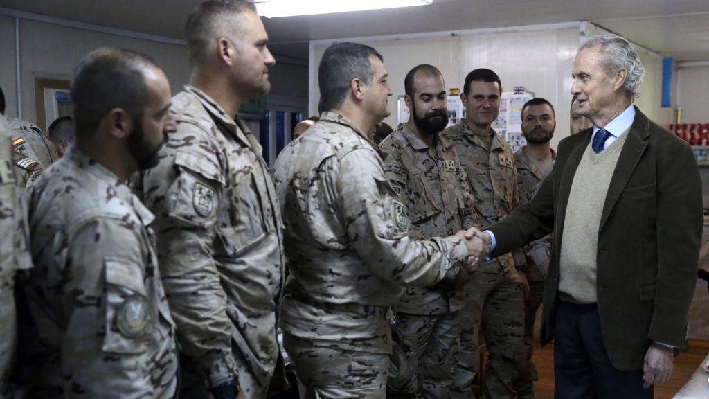 """Morenés ha visto a los militares en Irak """"llenos de moral y convicción"""" en su misión"""