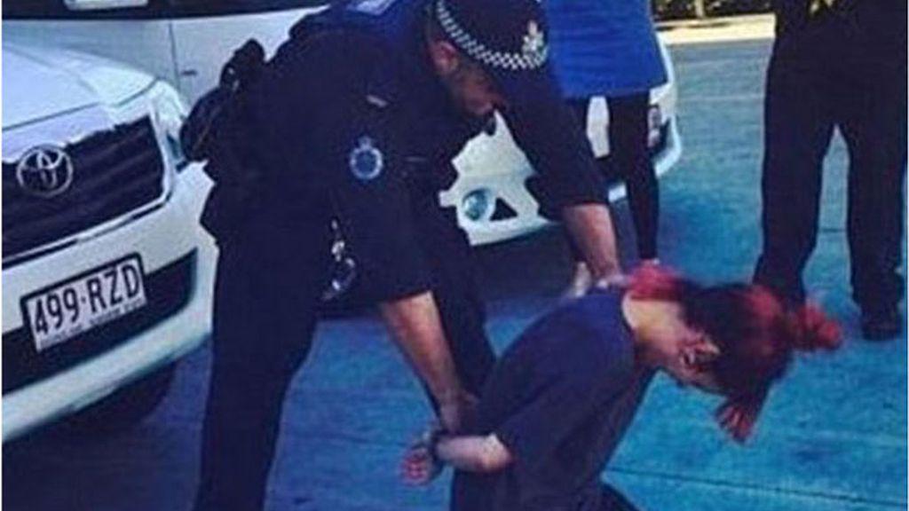 Lily Allen, polémica, Australia, broma, policía de Australia, cantante británica, falso arresto