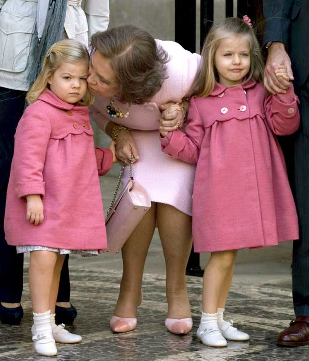 La Reina Sofía junto a sus nietas