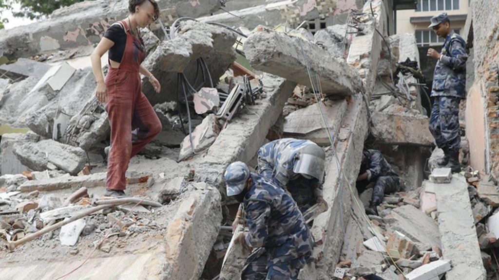 Un terremoto de 7,9 grados en la escala Ritcher sacude Nepal
