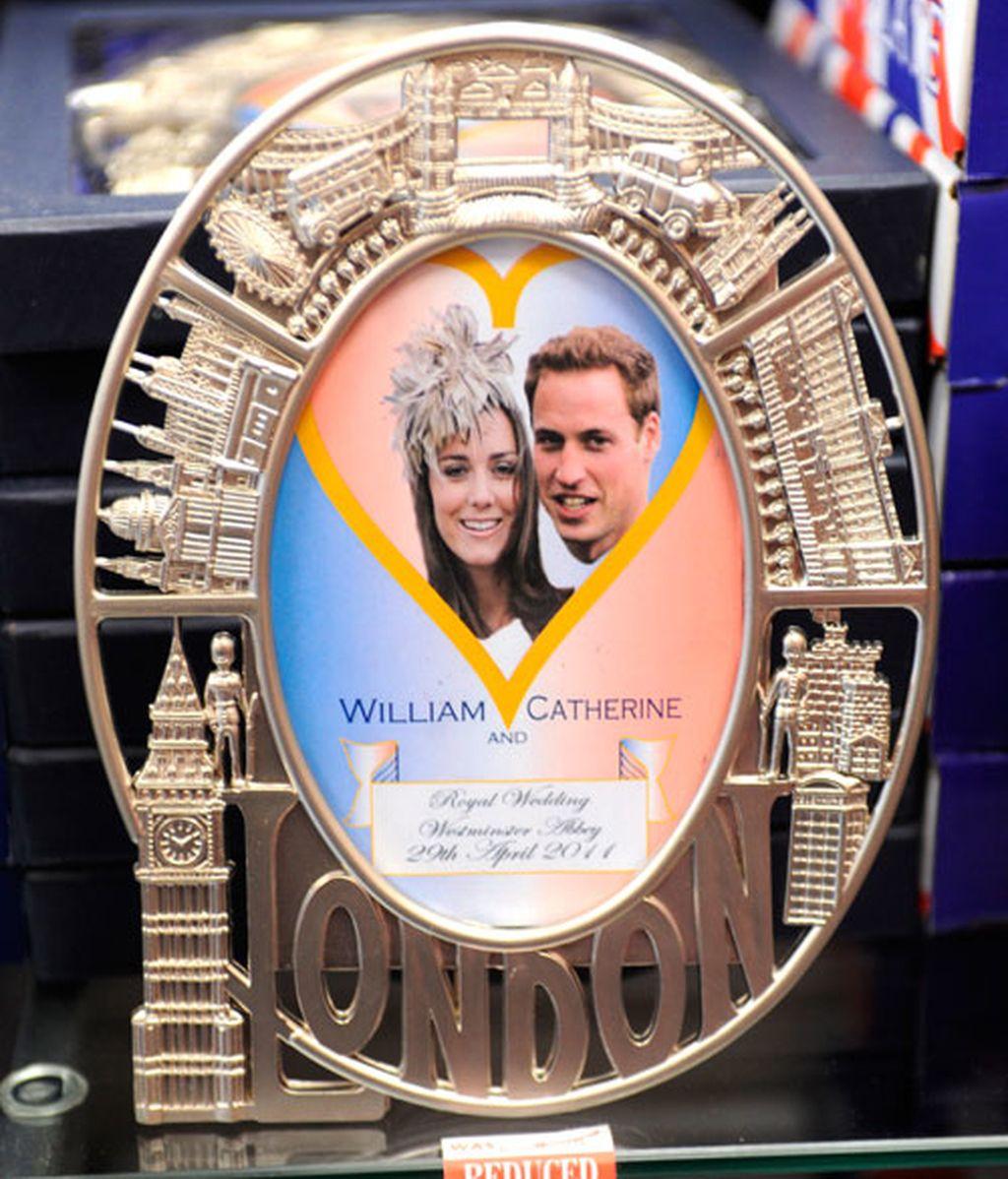 Los souvenirs de la boda de Guillermo y Kate: de lo clásico a lo freaky