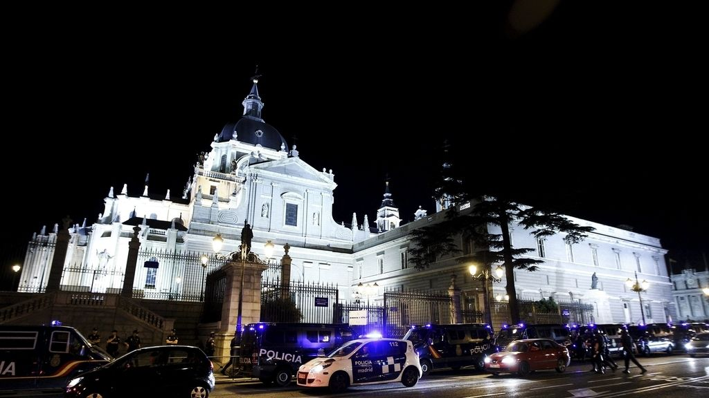 La Policía desaloja a las personas encerradas en La Almudena