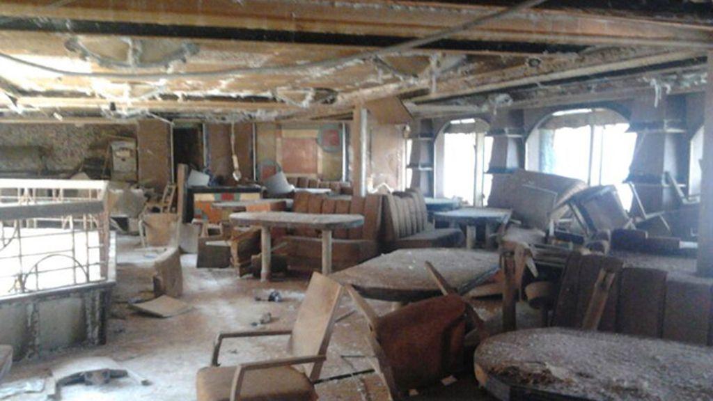 El crucero reducido a escombros