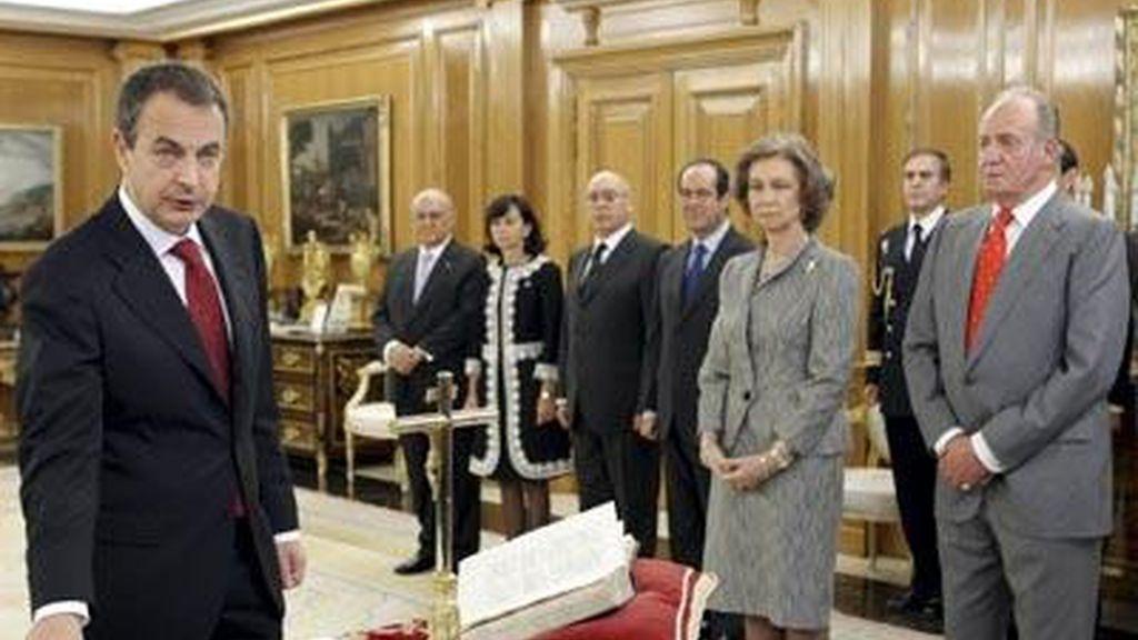 Zapatero promete su cargo en 2008
