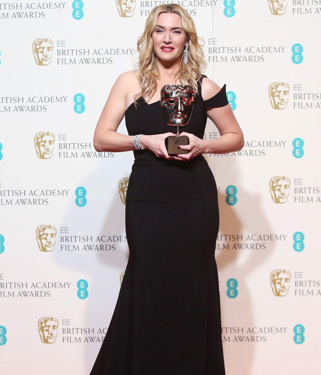 Kate Winslet, DiCaprio o Cate Blachett... La 'red carpet' de los BAFTA, foto a foto