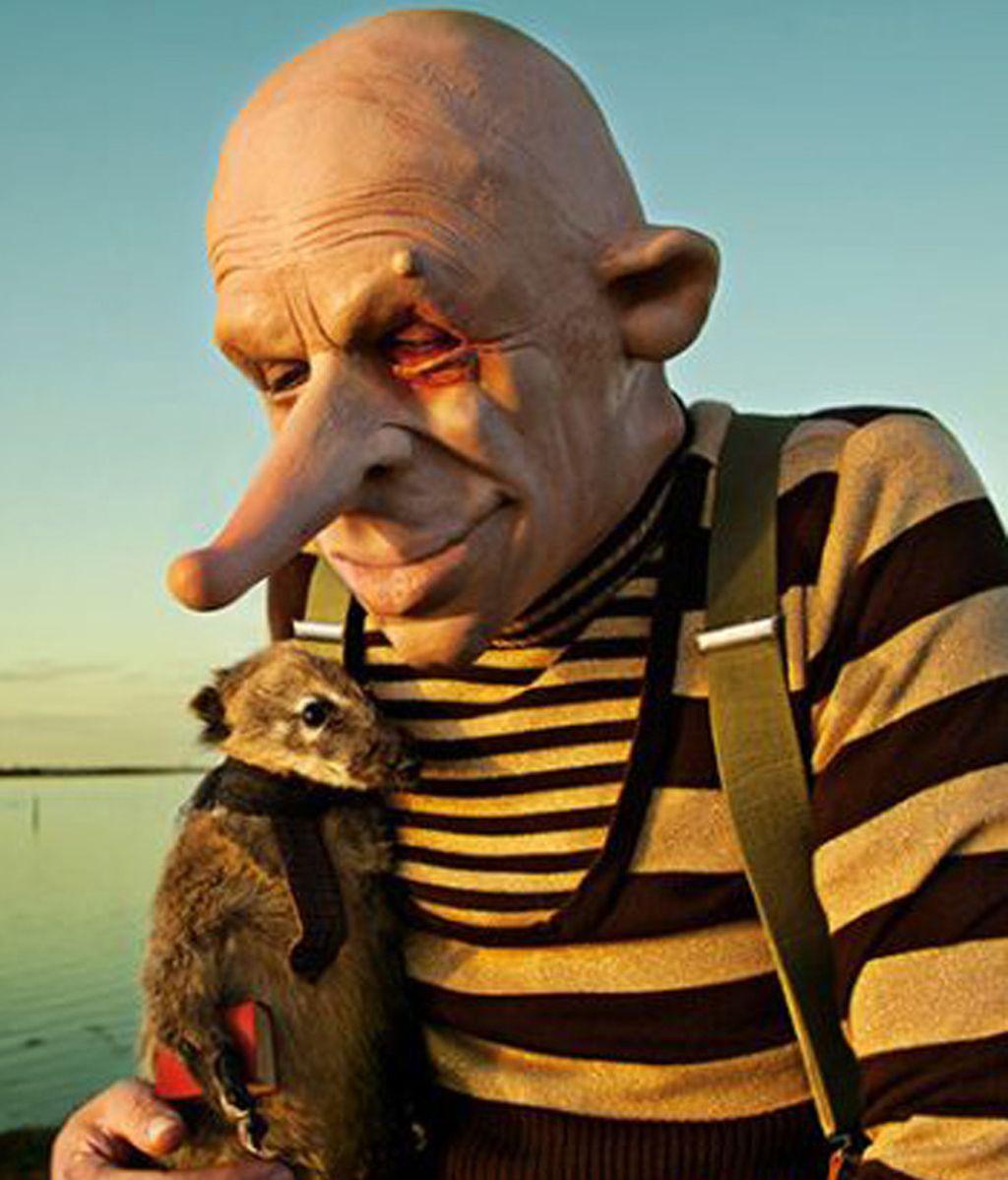 Polémicas fotografías escalofriantes con animales disecados