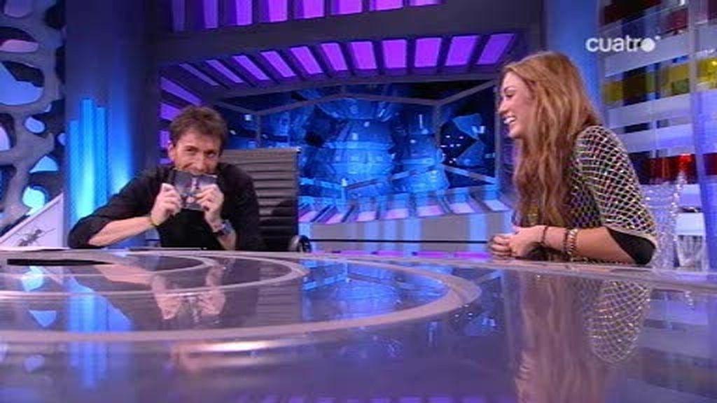 Miley Cyrus nos habla de cómo conoció a su novio