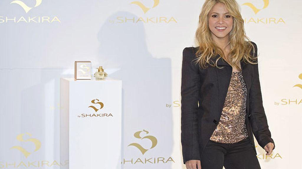 Shakira, el waka olor triple