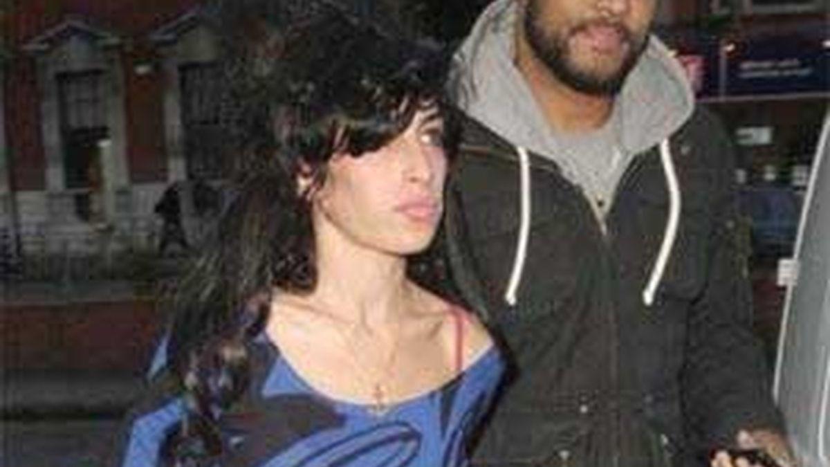 Amy con su novio 'secreto', Monk. Foto: Contactmusic.com
