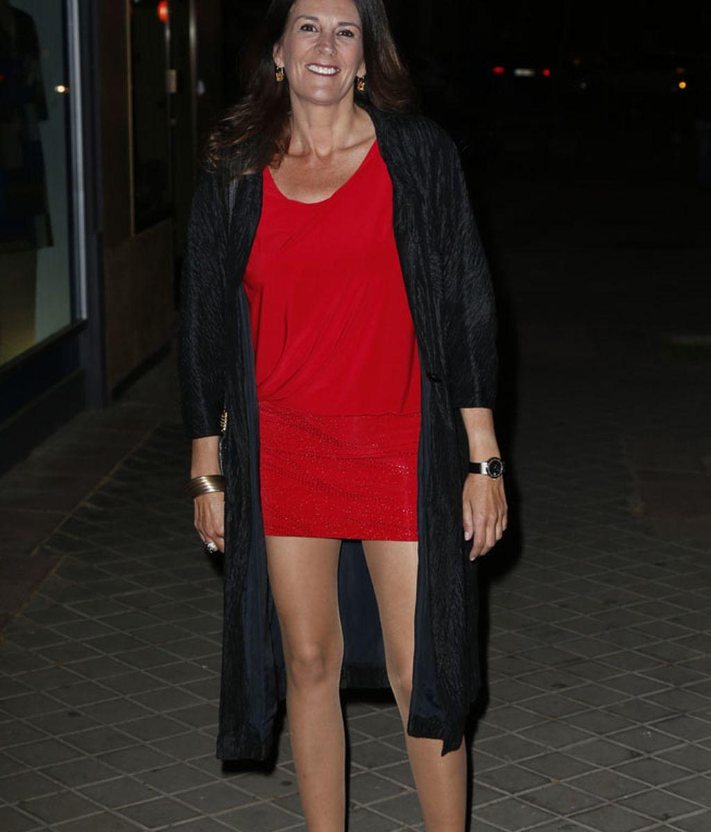 Ángela Portero llevó un vestido rojo