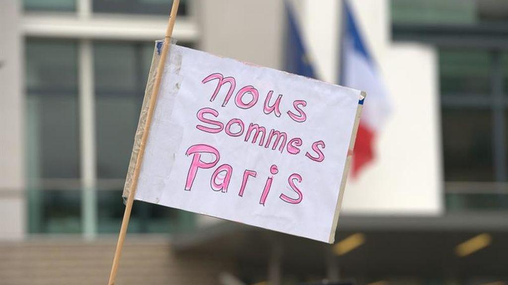 """Hollande abre la puerta a imponer toques de queda en caso de """"amenaza para la seguridad"""""""