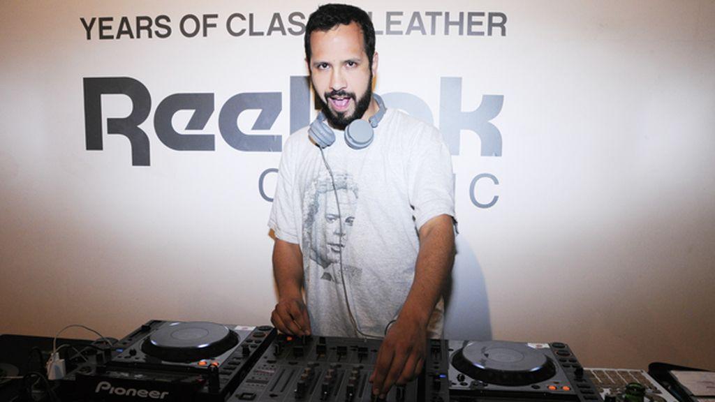 Meneo, además de ser uno de los New Classics, nos quiso demostrar su arte como DJ
