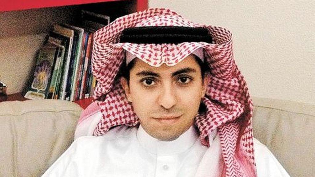 El Tribunal Supremo saudí mantiene la condena de 1.000 latigazos al bloguero Badawi