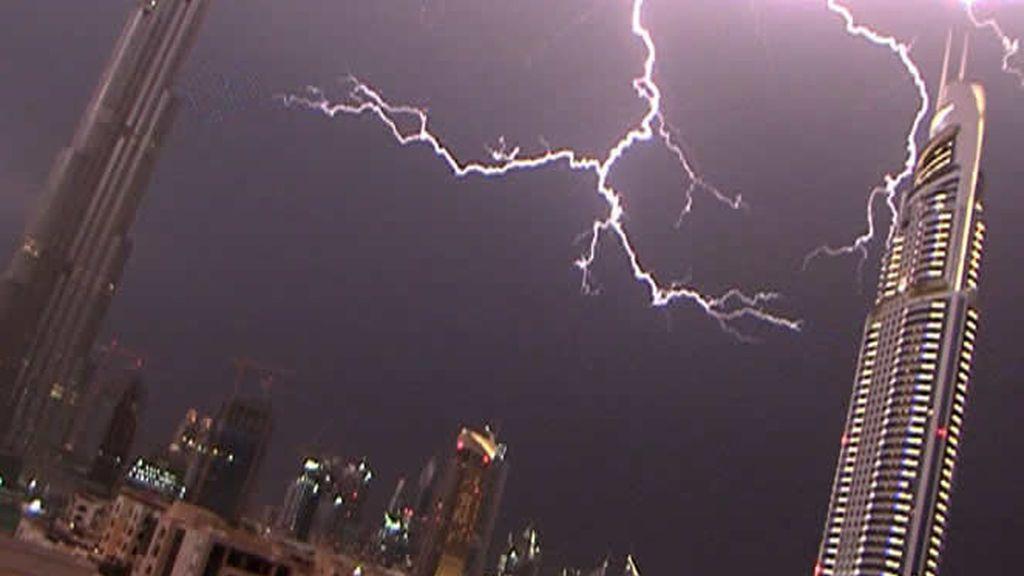 Tormenta eléctrica en Dubai