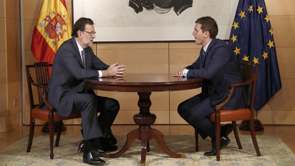 Rajoy se centrará en convencer a Ciudadanos y enfría la idea de una investidura el día 23