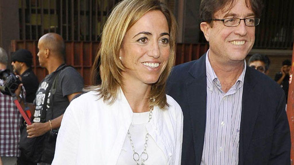 Carme Chacón, ex ministra socialista, con su marido