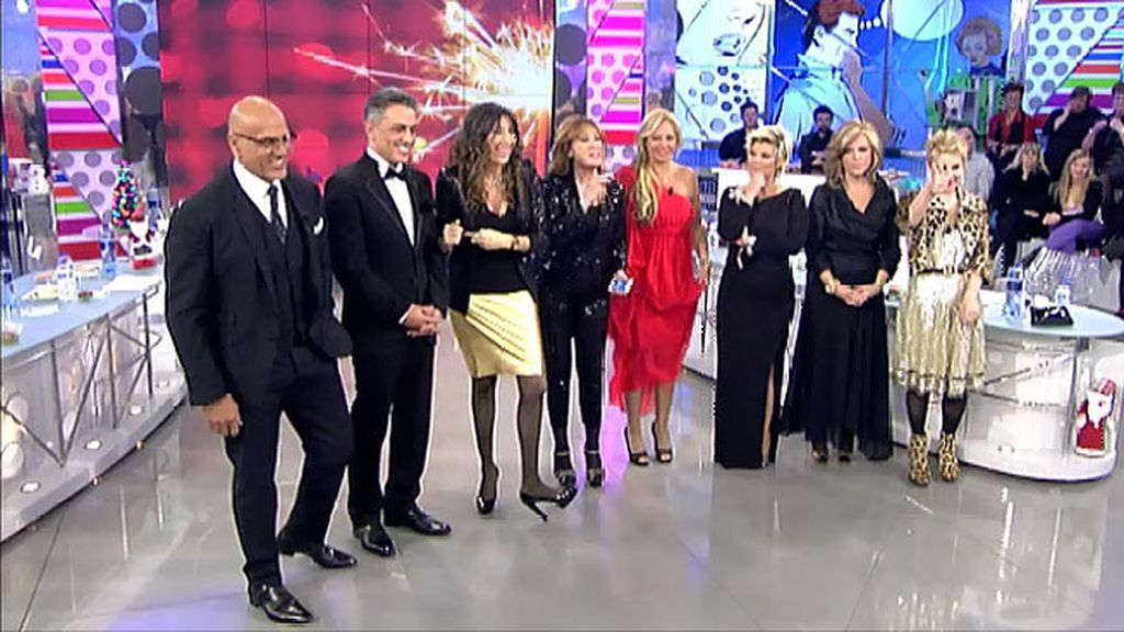Los colaboradores de 'Sálvame' despiden el año con sus mejores galas