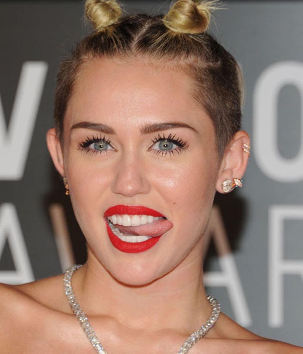 Las mil y una lenguas de Miley Cyrus