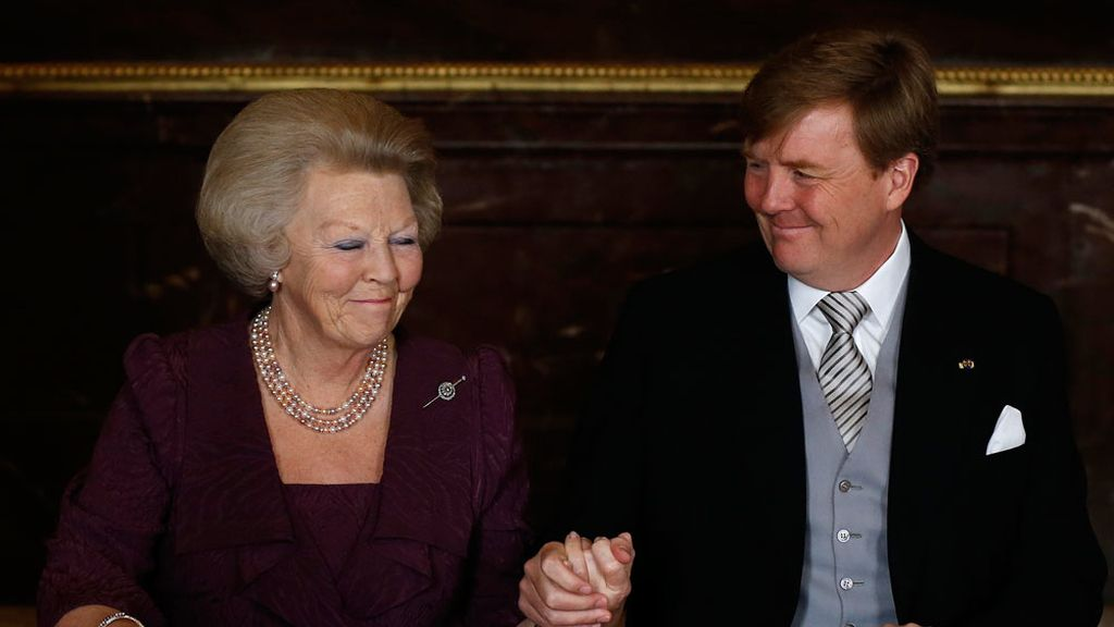 La princesa Beatriz cede el testigo a su hijo Guillermo