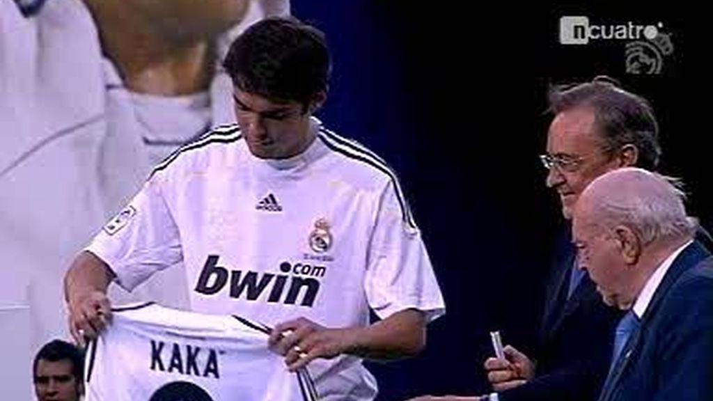 Kaká ya luce el 8 del Real Madrid