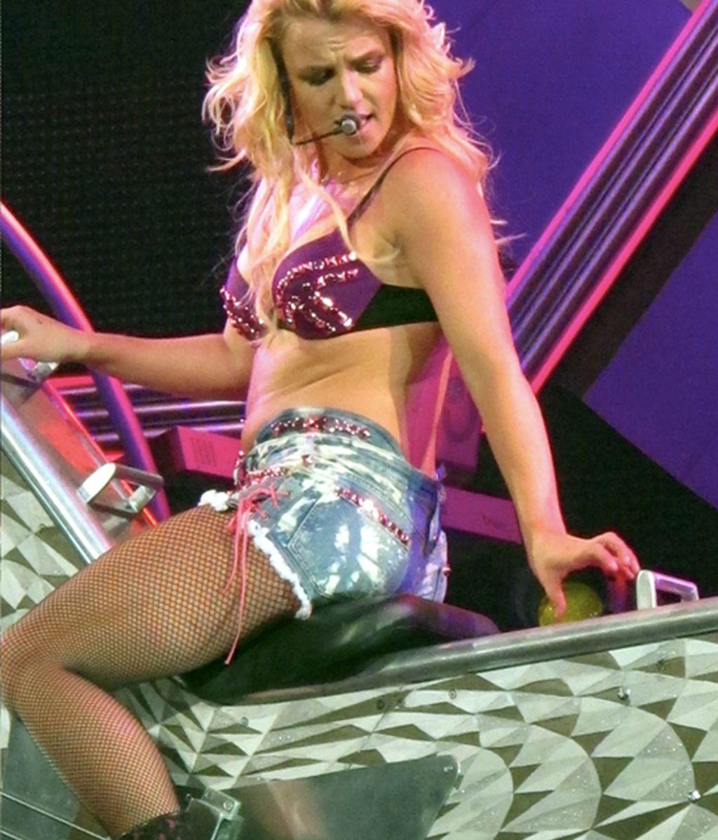Britney Spears inicia su gira por todo lo alto