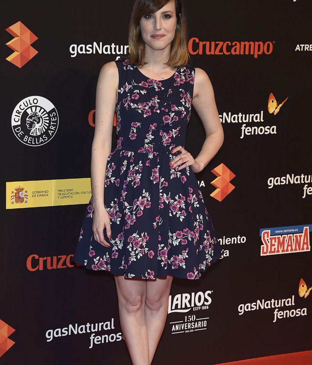Natalia de Molina con un vestido de flores muy primaveral