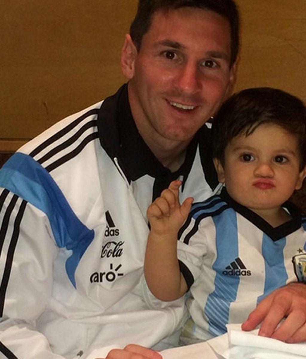 Le Messi se reencontraba con Thiago