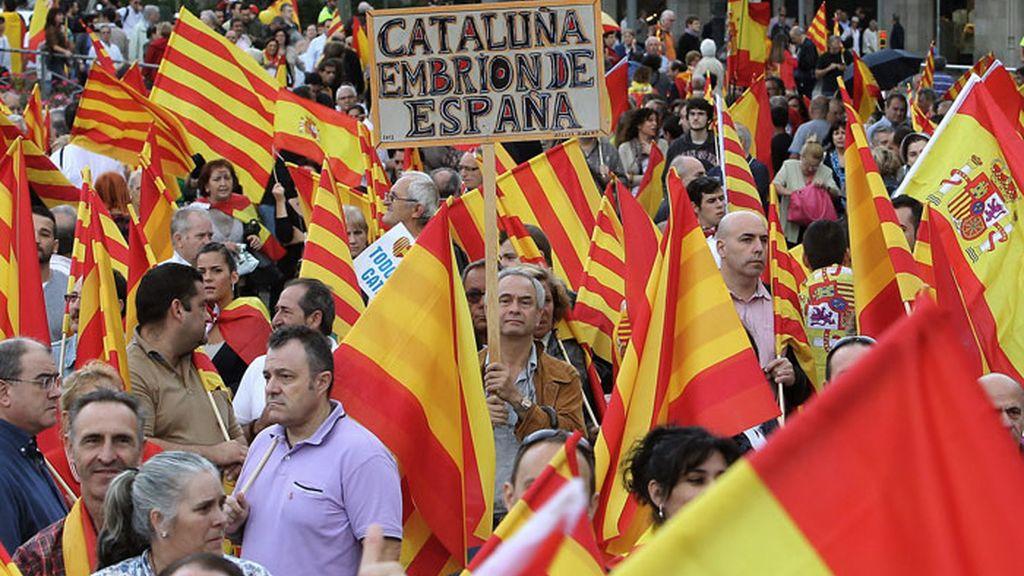 Varios miles de personas se reúnen en Barcelona por la unidad de España