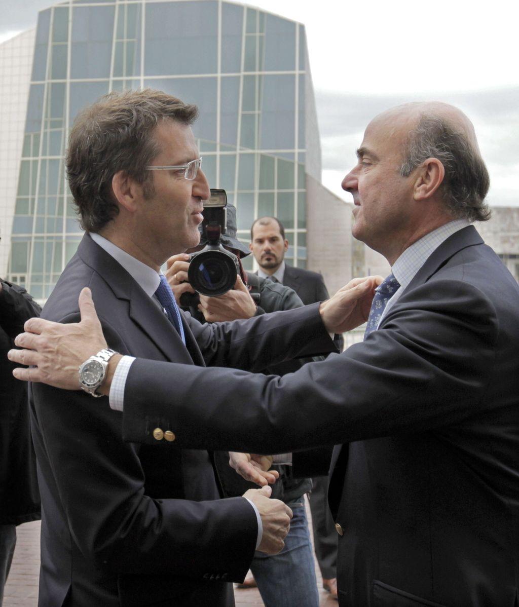 El presidente de la Xunta, Alberto Núñez Feijóo recibe al ministro de Economía, Luis de Guindos
