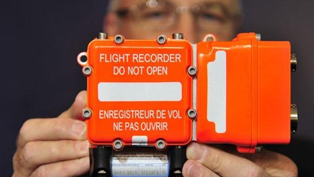 Un barco chino localiza una señal que podría proceder de la caja negra del avión desaparecido