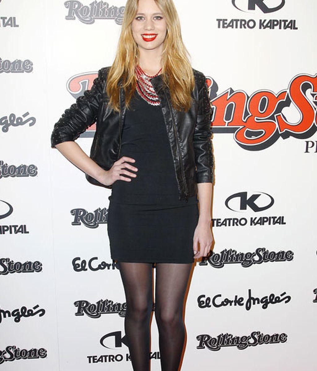 La actriz Arantxa Martí con un estilismo 'total black'