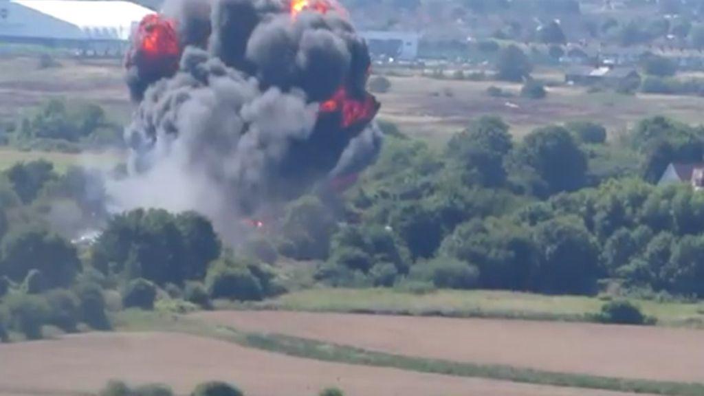 Siete muertos tras estrellarse un avión militar en una exhibición en Inglaterra