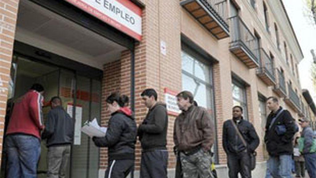 El Gobierno admite que el paro subirá en los próximos meses. Foto: EFE.