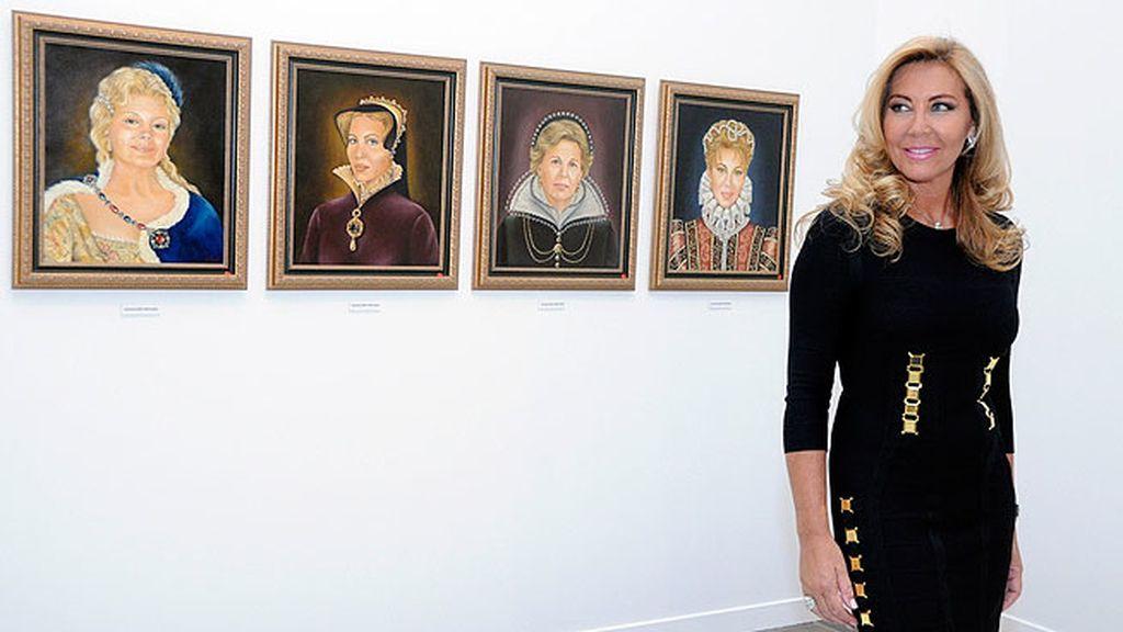 Norma, guapísima, nos mostró los cuadros en los que su hermana retrató a las mujeres de su familia como damas del renacimiento