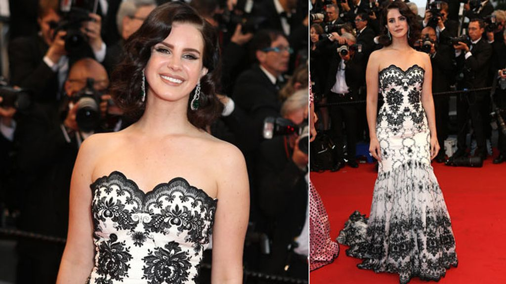 Lana Del Rey eligió un vestido blanco y negro