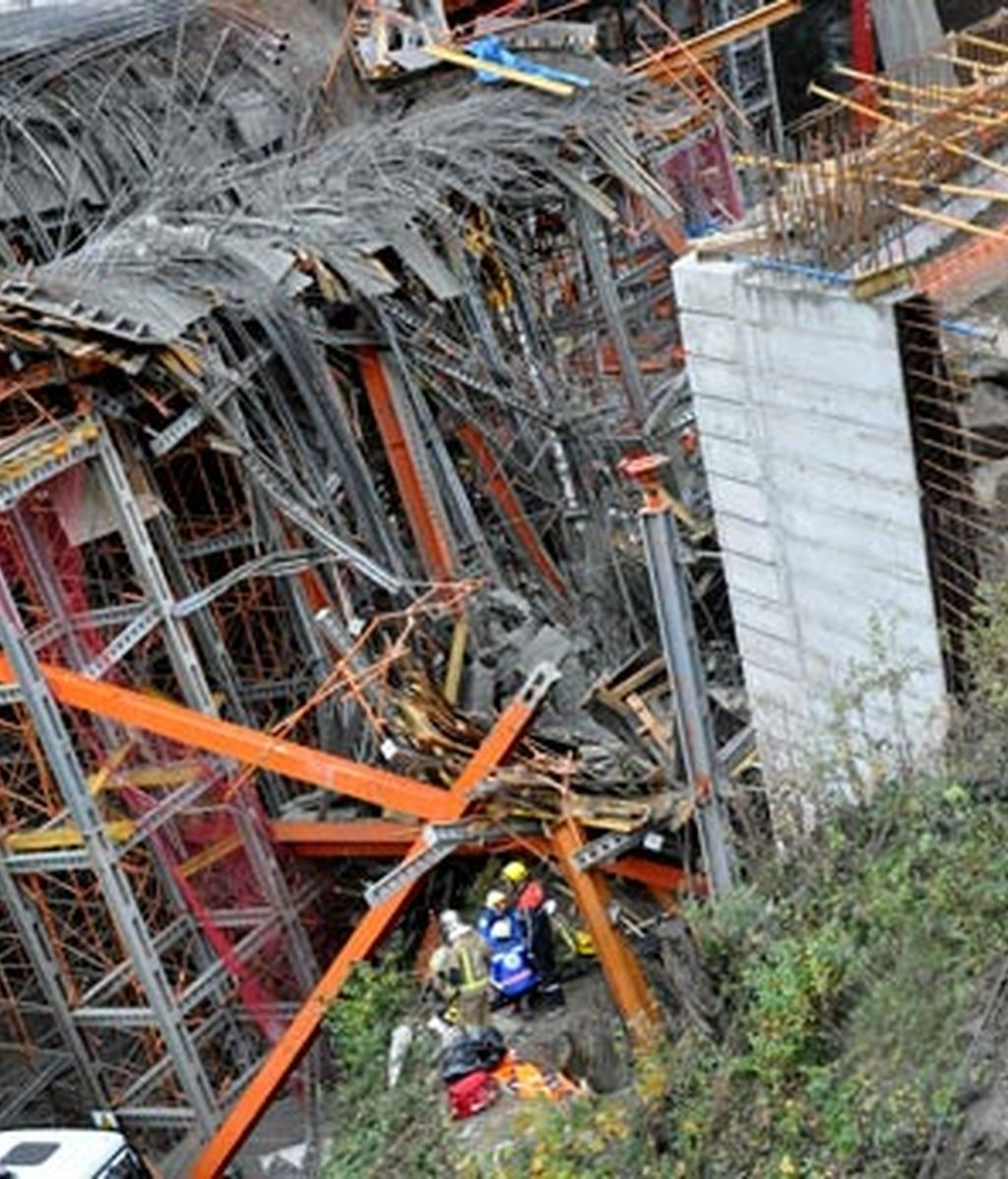 El accidente se ha producido al derrumbarse parte de la estructura del túnel Dos Valiras. Foto:EFE