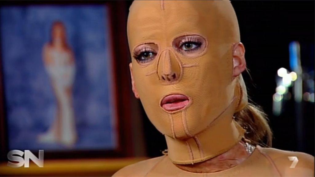 Dana Vulin con máscara