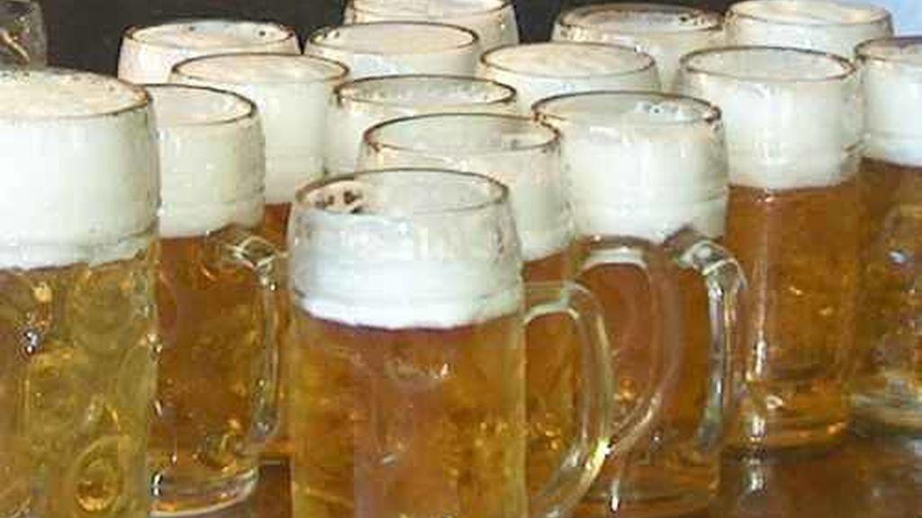 En la actualidad, la cerveza soporta un impuesto especial de 9,96 euros por hectolitro sobre el tipo de cerveza de consumo más generalizado.