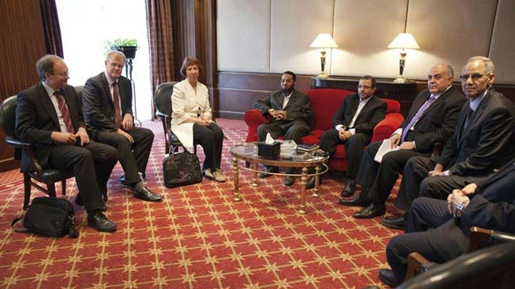 Ashton se reúne durante dos horas con Morsi para hablar de la situación en Egipto
