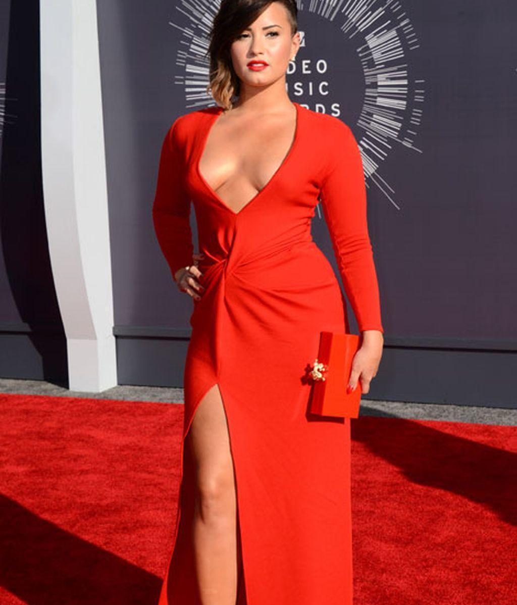 Demi Lovato de rojo de Lanvin