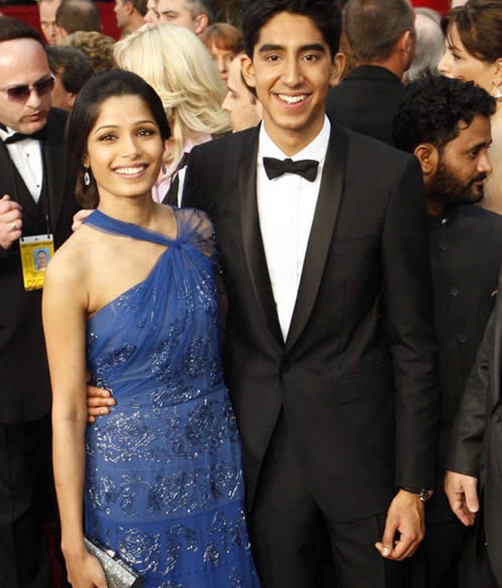 Frida Pinto y Dev Patel