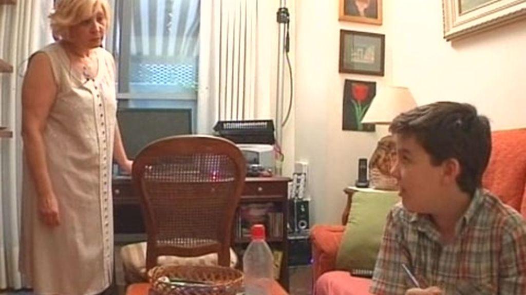 El momento de los deberes causa todos los días un conflicto familiar entre Esther y Alex
