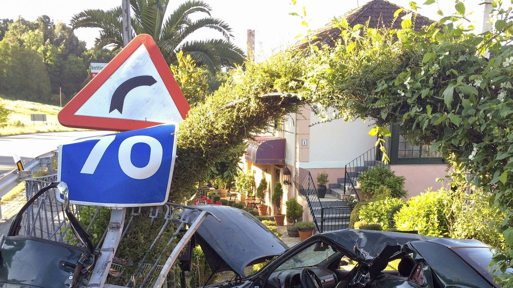 Uan joven muere en un accidente en Ourense al empotrarse contra una vivenda
