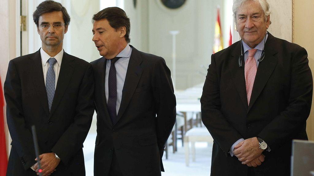 Javier Maldonado, Ignacio González y Javier Rodríguez, en la toma de posesión del primero de ellos