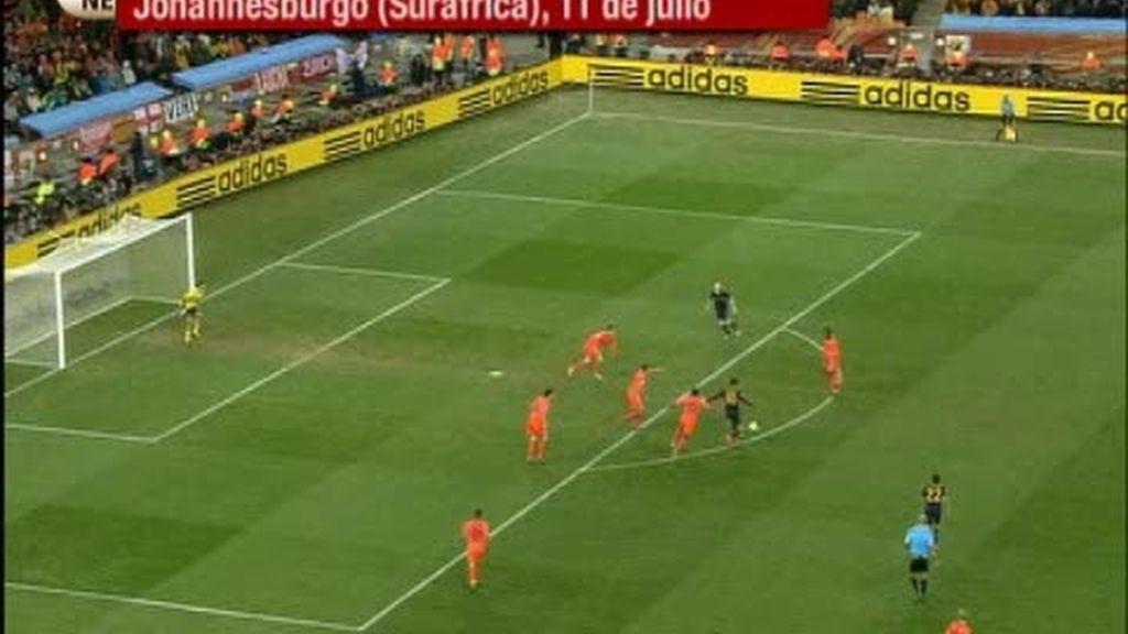 Se cumple un mes del gol de Iniesta