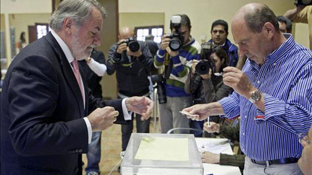 """Mayor Oreja: """"Tenemos una oportunidad de tomar posición ante la crisis"""""""