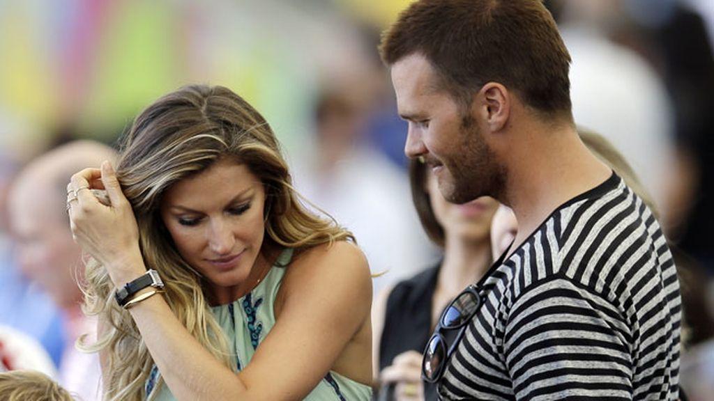 Gisele Bundchen y su marido, Tom Brady, en las gradas de Maracaná
