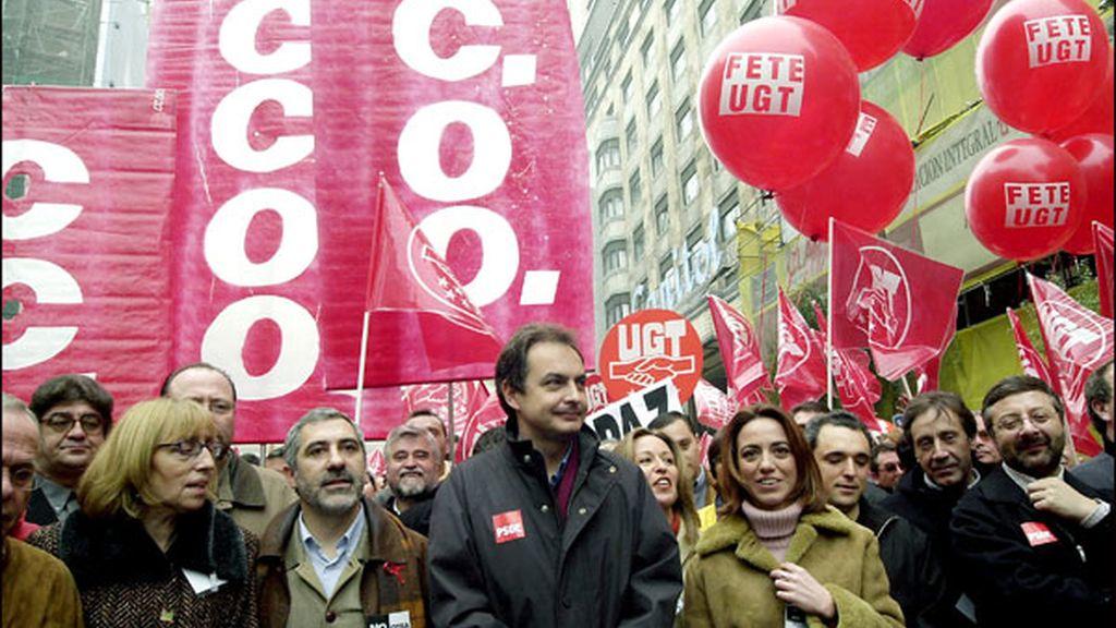 Como secretario general del partido, en una manifestación contra la reforma educativa del Gobierno de Aznar en 2001