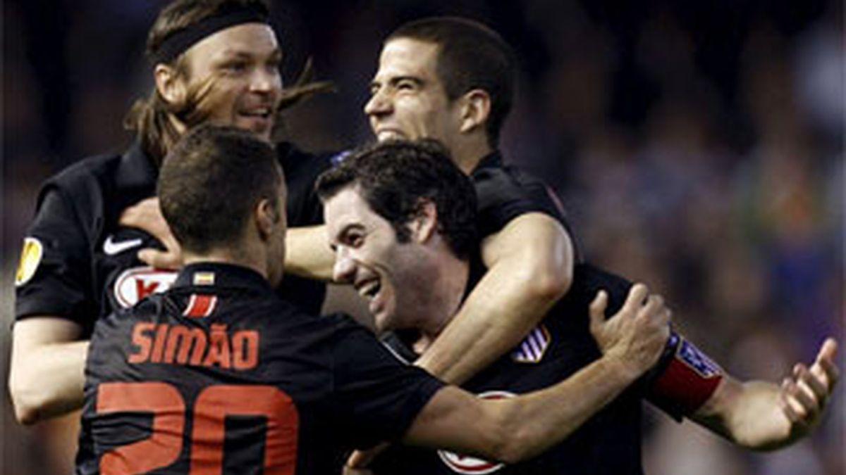 El Valencia celebra su segundo gol. Foto: EFE.