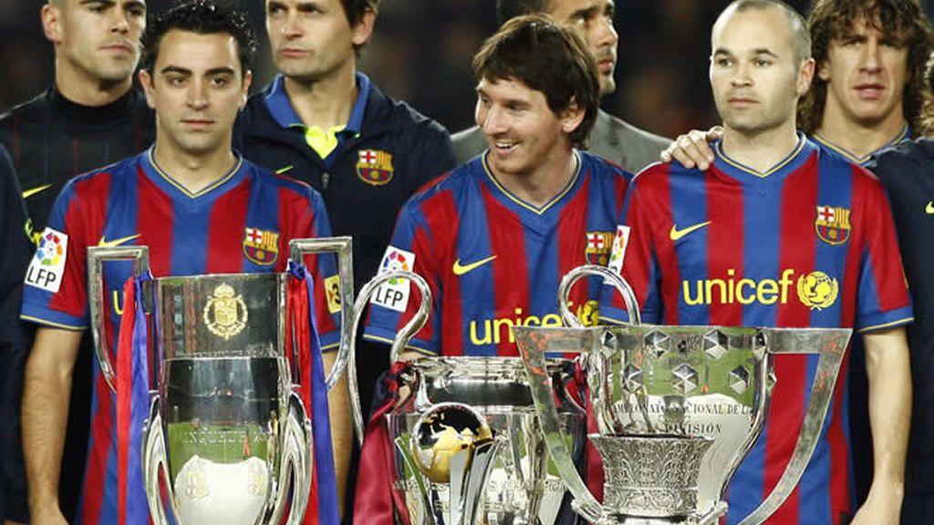 Xavi, Messi e Iniesta, finalistas al Balón de oro 2010